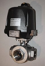 VRXE Electric Actuator with Stainless Steel 3-Way NPT Ball Valve